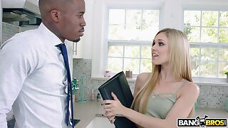 Sweltering pornstar Kali Roses drops exceeding her knees to feel sorry a BBC hard