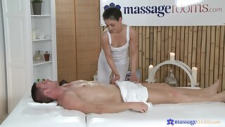 Absolute passion by way of massage for the slim amateur masseuse