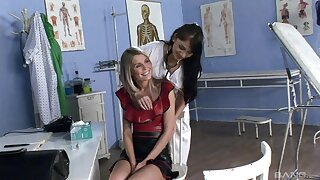 Naughty doctor Forte Lexus fucks tight pussy and ass be incumbent on sexy Dominika