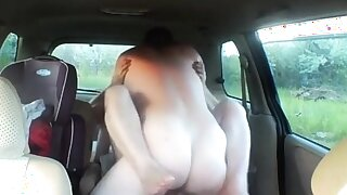 fuck a devoted to woman in car