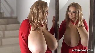 Abbi Secraa red cleavage solo in front be incumbent on the mirror - monster tits