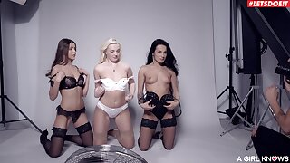 Oversexed Lexi Dona and Silvia Dellai seduce two more babes for sex