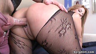 Latina girl with a huge ass