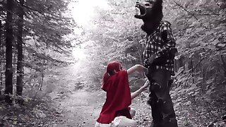 Red riding hood cosplay porn with the wolf throating her restless
